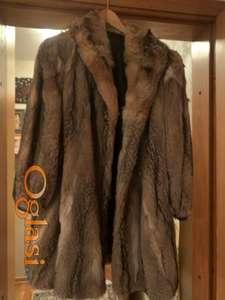 Atraktivna bunda od kanadske lisice