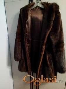 Odlična bunda od ledja nerca, vrhunski kvalitet