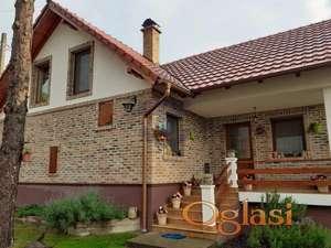 Izuzetna kuća uz Dunav!