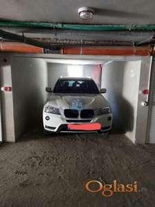 Spuštena cena! Odlična garaža na top lokaciji!