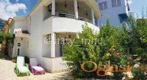 Dobra ugodna kuća 170m2 u selu Dubrava, Dobra Voda