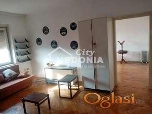 Prostran dvosoban stan na Novom Beogradu ID#6747