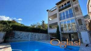 Nova vila s bazenom i pogledom na more u Prcanju, Kotor