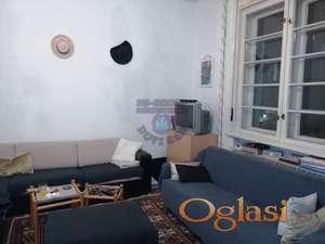 U Starom Gradu, odličan salonski stan. TANJA 065/66-48-306