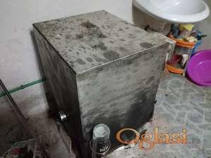 Pretapanje starih ramova ( voska ) - topljenje saća ( vosak)
