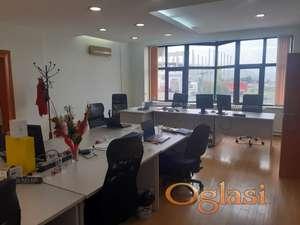 616 m2 KANCELARISKI PROSTOR ,Poslovna zgrada   sa preko 30 parking mesta