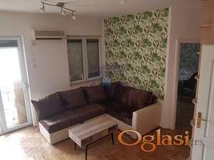 Predstavljamo Vam fantastičan jednoiposoban stan na Bulevaru Evrope!
