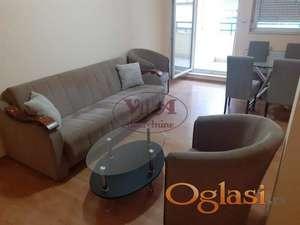 Novi Sad, Centar, dvosoban stan sa terasom i novim nameštajem