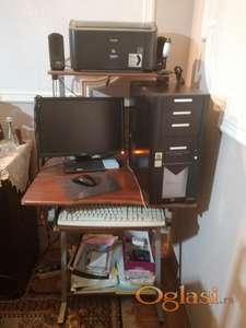 Prodajem računar sa opremom i stolom kao na slici