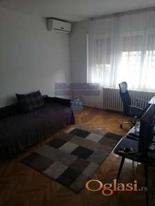 Dvosoban stan na odličnoj lokaciji!