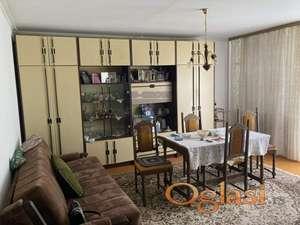 Odličan uknjižen doiposoban stan na Limanu 4!
