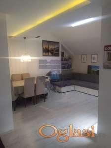 Odličan dvoiposoban stan na Limanu 4
