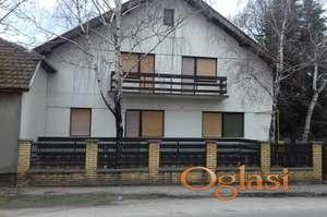 Useljiva kuća na prodaju