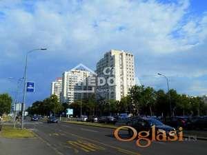 Blok 30, komforan trosoban stan kod Novog Merkatora ID#6993