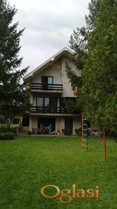 Na prodaju kuća u Mladenovac selu od 270m2, 75.000e