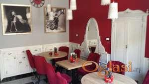 Caffe pizzeria u radu, kompletno opremljena, na prodaju.