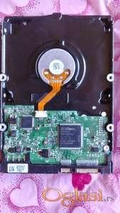 Hitachi 320 gb sata perfektan za desktop
