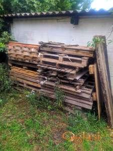 Građevinski drveni otpad pogodan za potpalu
