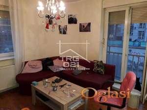 Retko u ponudi, dvoiposoban stan u centru povoljno! ID#1771