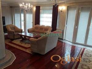 Novija zasebna kuća , 300 m2, plac 500 m2. Telep, ID#533