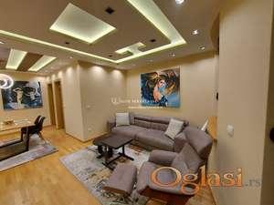 Izdavanje luksuznih stanova-Dvosoban stan sa panoramskim pogledom,garaža