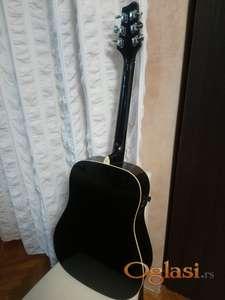 Prodaje se ozvučena akustična gitara Stagg