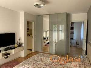 Lux stan u A blok-u, namešten, 107 m2, uknjižen