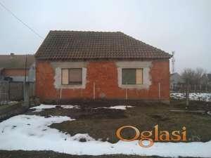 Renovirana trosobna kuća