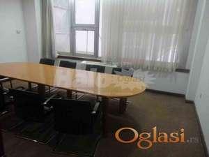 Knez Mihajlova, poslovni prostor sa 2 kanc. ID#10832