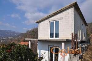 Prodaje se nezavršena kuća u Herceg Novom, Sušćepan