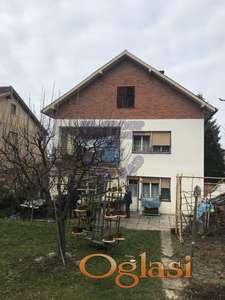 Kvalitetna porodična kuća sa uračunatim garažnim mestom