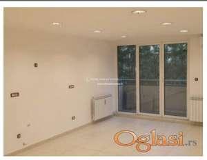 Izdavanje-Dvosoban prazan stan idealan za poslovni prostor