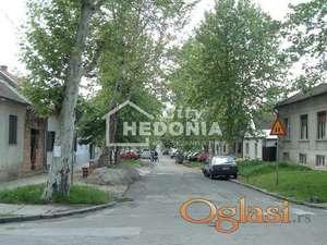 Nov, atraktivan troiposoban stan u Zemunu ID#6925