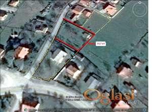 Plac 11 ari sa izvorskom vodom i podzemnim bazenom za istu Ub-Đunis