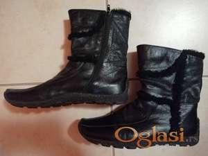Crne čizme br. 39