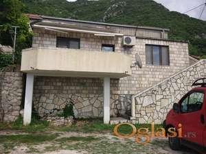 Imanje s novom kamenom kućom i pogledom na more, Bratesici