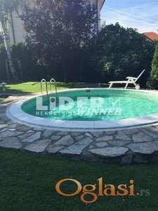 Porodična kuća sa uređenim dvorištem i bazenom ID#99976