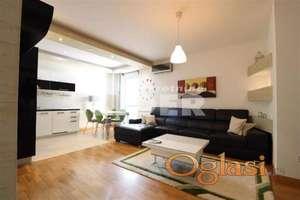 Luksuzno opremljen stan u zgradi novije gradnje ID#101046