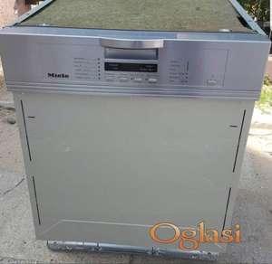 MIELE( ugradna )Mašina za sudove