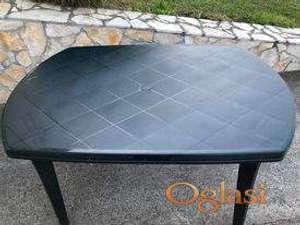 Veliki plasticni stol za terasu