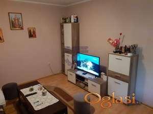 Odličan stan u kući u jednoj od najlepših ulica u Rumenci