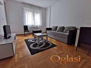 Dvosoban stan, centar, 40m.kv. 300eura