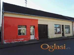 Kuća u centru sa 2 lokala, Morović