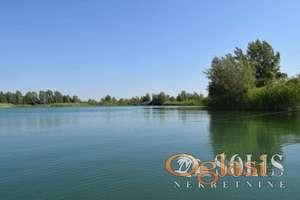 Na prodaju jezero na putu između Novog Sada i Titela