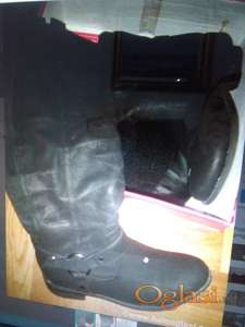 Čizme crne boje vel 37
