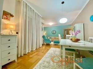 Luksuzan stan na idealnoj lokaciji! Retko u ponudi