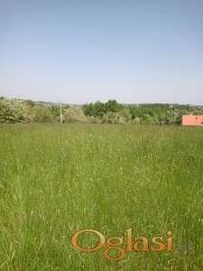 Izdajem  parcelu  selo Rumska  planina Cer