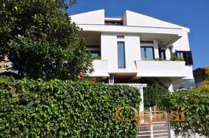 Prodaje se kuća u Herceg Novom u blizini centra grada