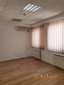 Poslovni prostor, Grbavica, 63m.kv. 116800eura