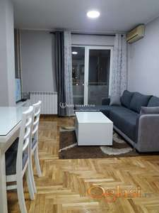 Izdavanje stanova na Vračaru-Dvosoban lux stan, novogradnja, garaža